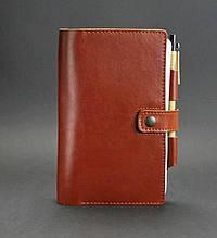 Кожаный блокнот (софт-бук) на кнопке с держателем для ручки. Цвет светло-коричневый