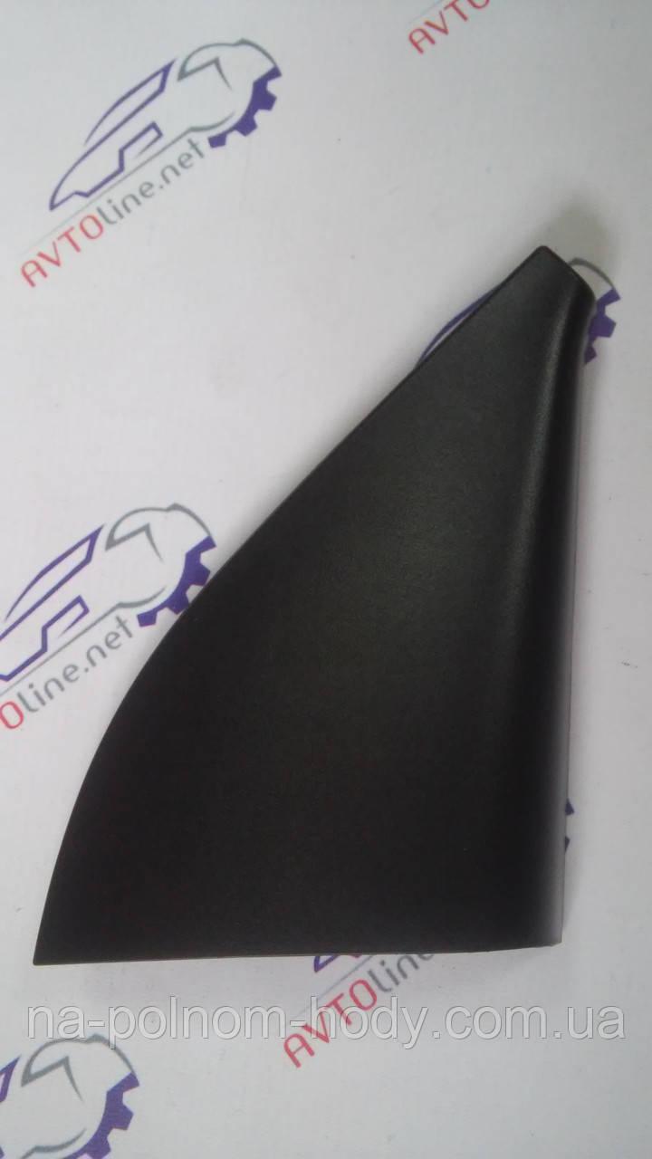 Накладка-уголок зеркала Авео-3 под электр. правая GM Корея