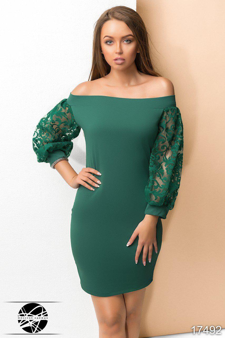 edb52e65a7f5544 Вечернее платье с открытыми плечами зеленого цвета. Модель 17492. Размеры 42