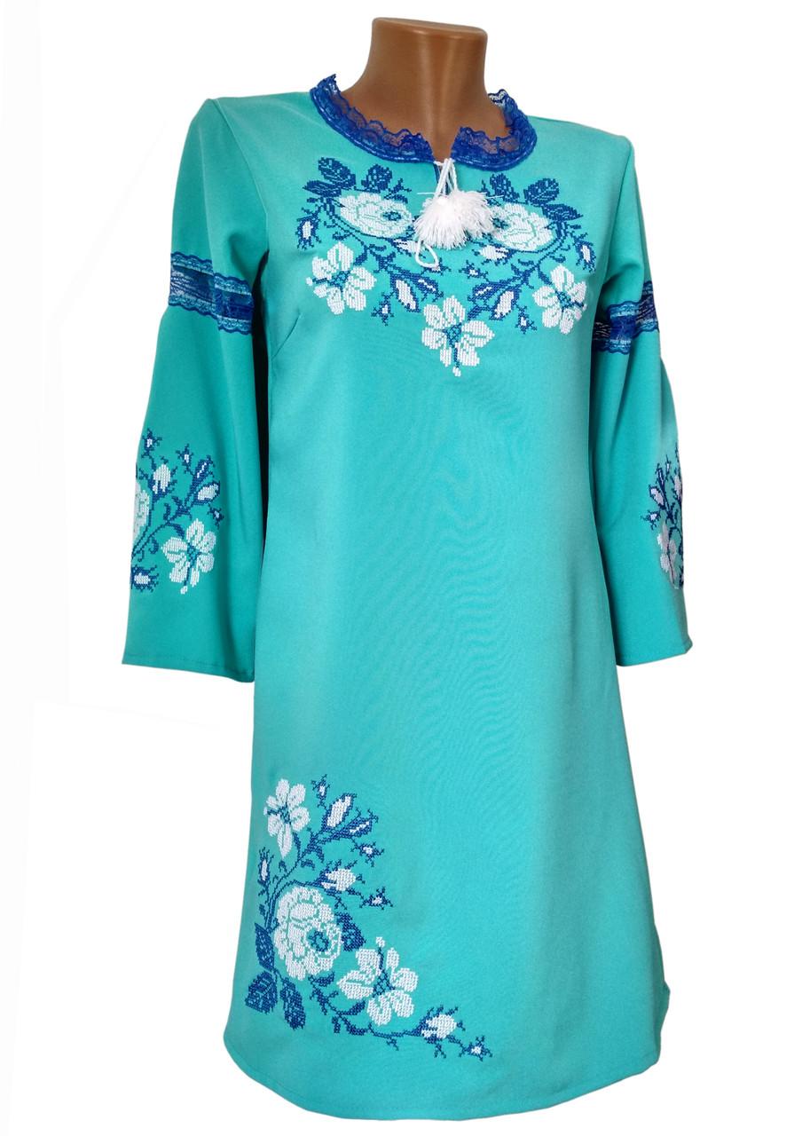Яркое подростковое вышитое платье в бирюзовом цвете