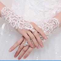 Белые кружевные короткие митенки (перчатки без пальцев) в паетках