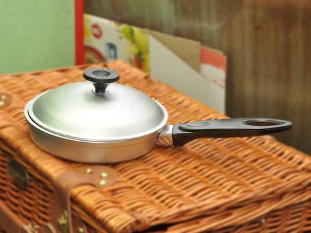 Сковорода алюминий 220мм с крышкой, фото 2