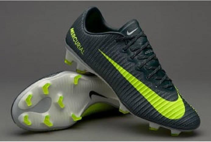 Футбольные бутсы Nike Mercurial Vapor XI CR7 FG   продажа, цена в ... b8f231e27cf