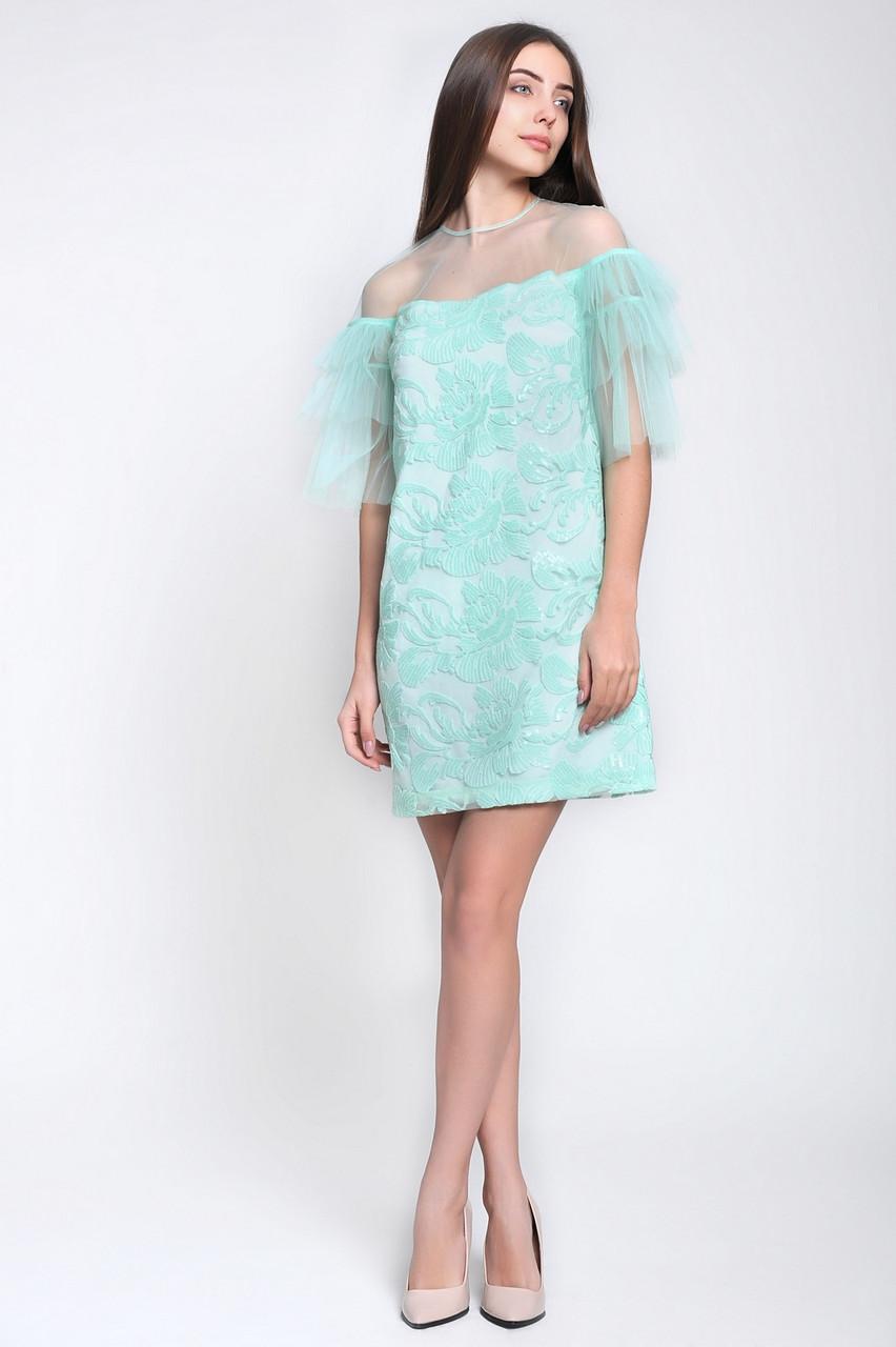 Красивое коктейльное женское платье из вышитой сетки