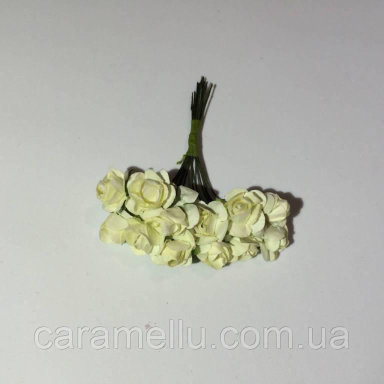Розы бумажные на проволоке 12 штук.  Цвет светло-желтый