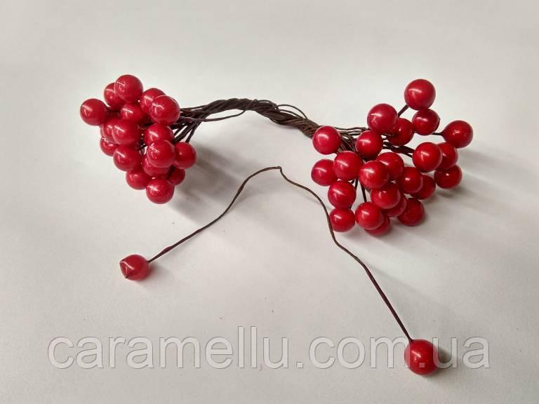 Ягоды на проволоке Глянцевые 50 ягод . Мелкие. Цвет красный