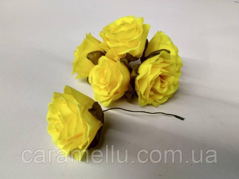 Роза крупная. Сатин. Цвет желтый