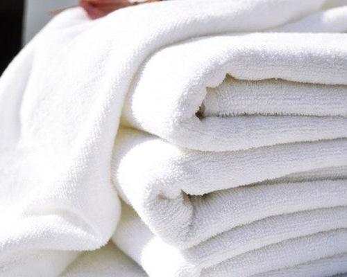 Белое полотенце HOTEL 70х140 400 г/м2