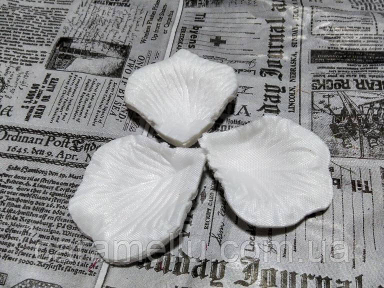 Лепестки роз. Цвет белый.  144 штуки  (Копия)