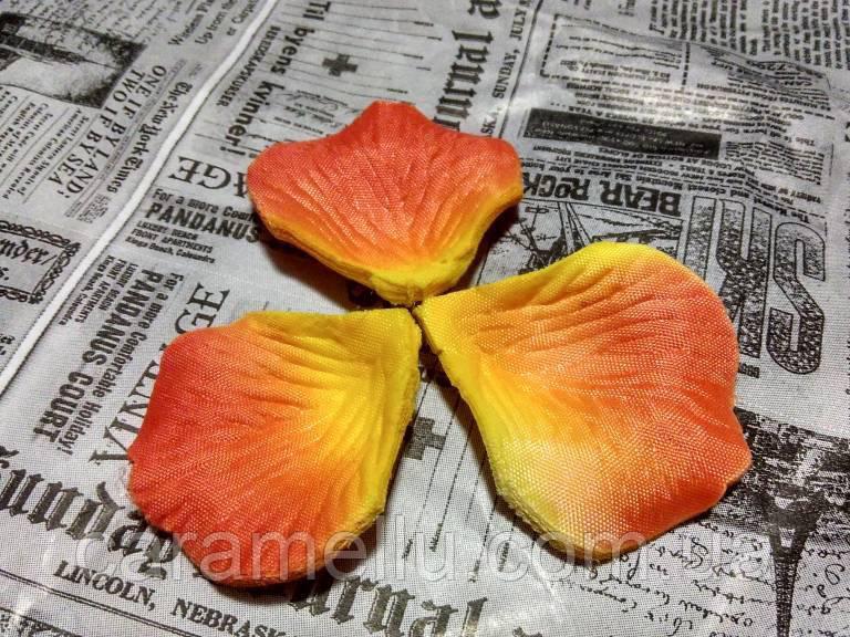 Лепестки роз. Цвет оранжево-желтый. 144 штуки