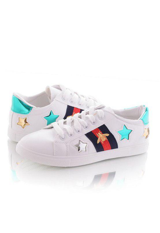 Стильные женские кроссовки со звездами