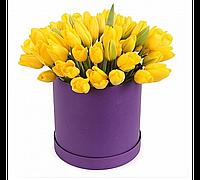 Шляпная коробка из 45 тюльпанов