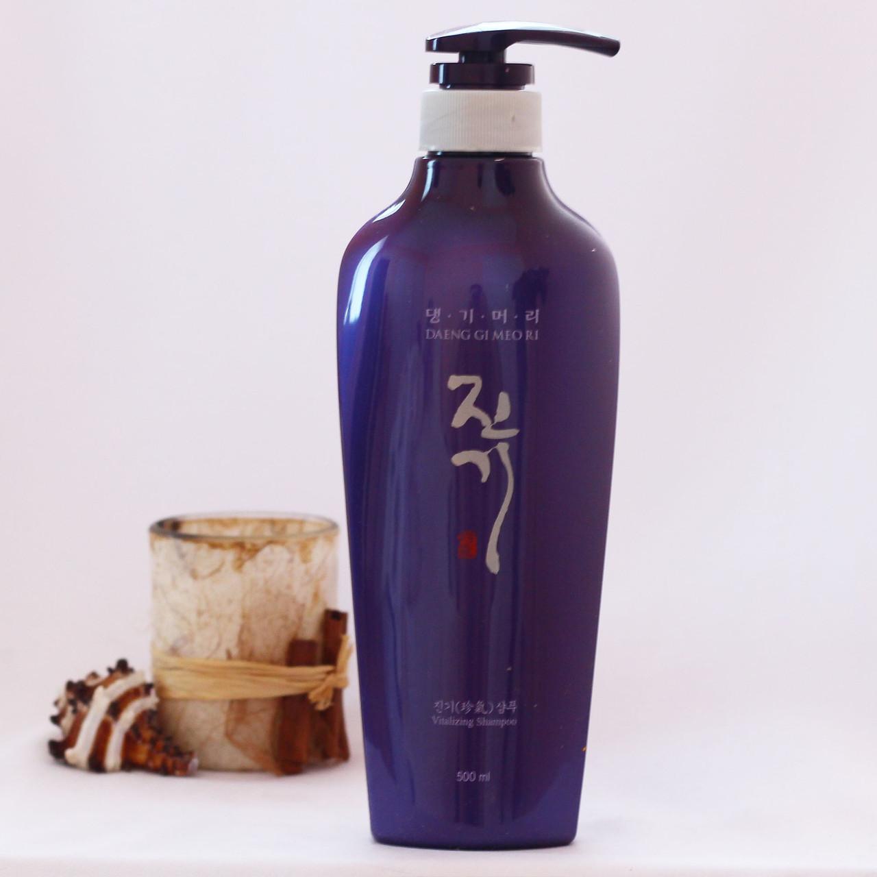 Відновлюючий шампунь Daeng Gi Meo Ri Vitalizing Shampoo 500мл