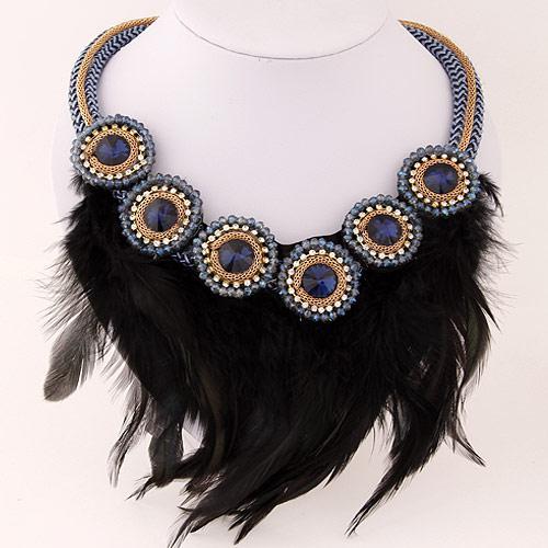 Колье перья черное  P001831