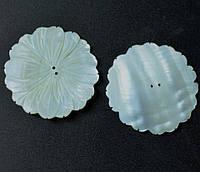 Фурнитура пришивной цветок из натурального перламутра d-5см цена за шт.