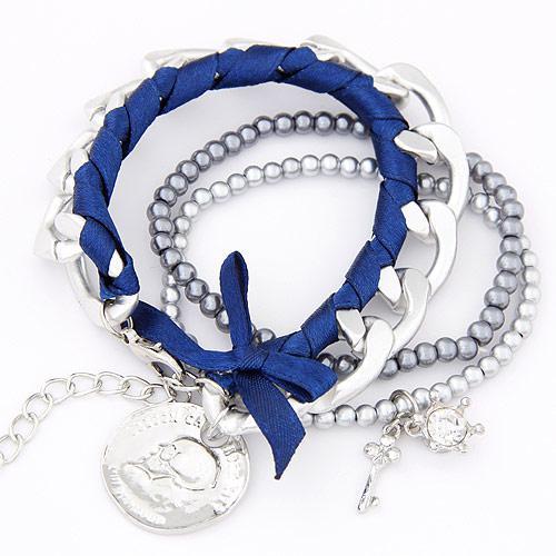 Набор браслетов с подвеской Монетка под серебро с синей лентой  B00328