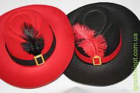 Шляпа с пером