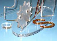 Фрезерна порізка акрилу 1,5-2,0 мм