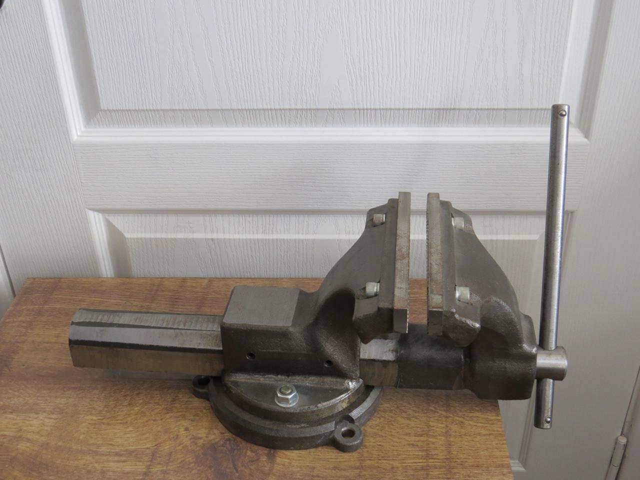 Тиски слесарные стальные кованые поворотные 150 Украина