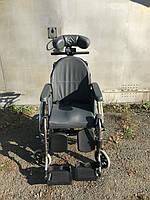 Коляска инвалидная с откидывающейся спинкой в хорошем состоянии Breezy