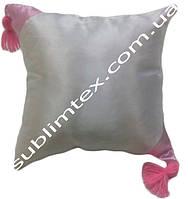 Подушка атласная,искусственная,цветная сторона+цветные уголки+кисточка,размер 35х35см., розовый