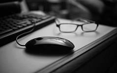 Компьютерные акссесуары (клавиатуры, мышки, колонки для pc)