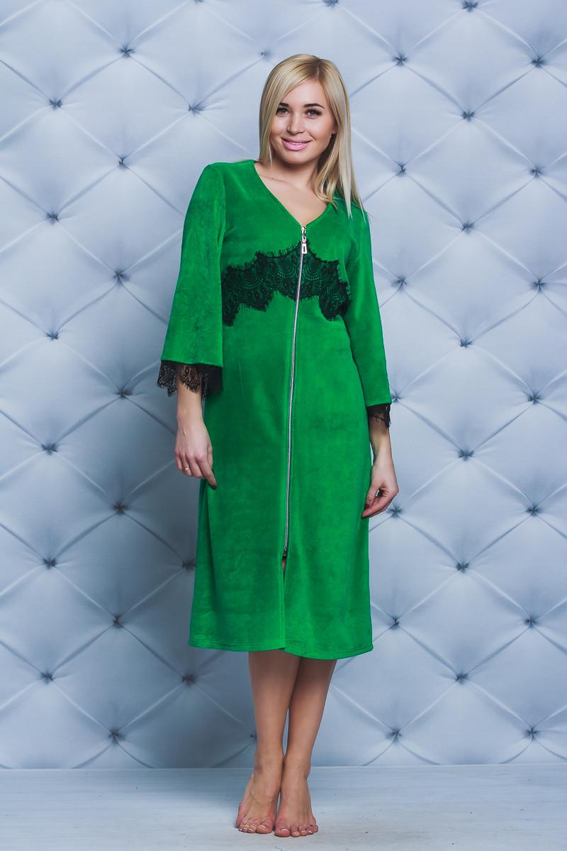 Велюровый женский халат с кружевом зеленый