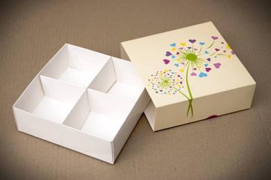 """Универсальная коробка с ложементом """"Сердечки 16*16*5 см"""""""
