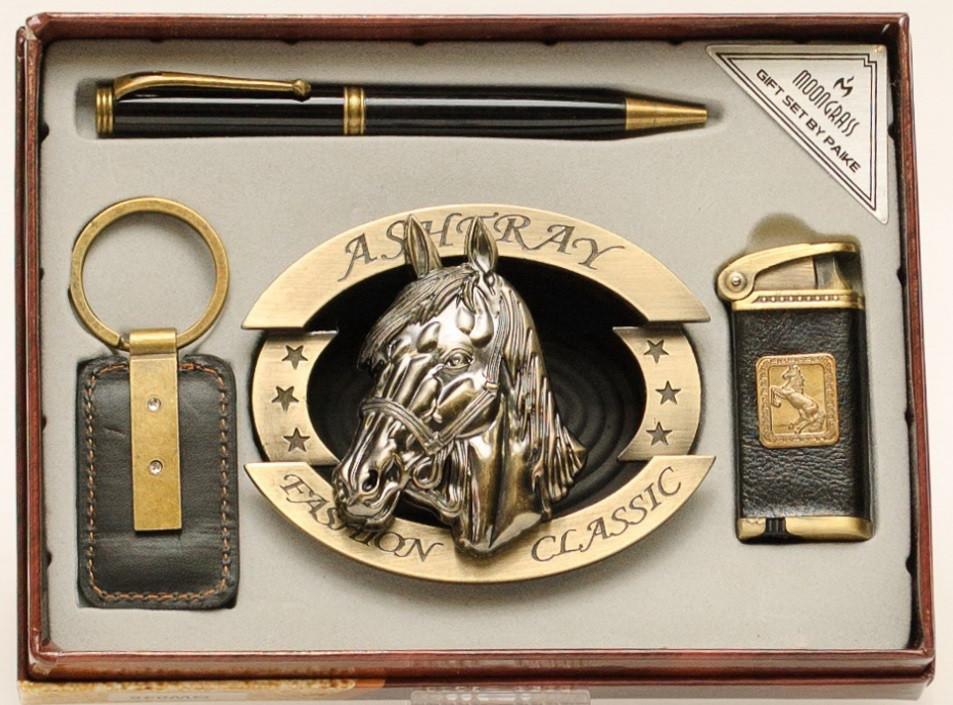 Подарочный набор (зажигалка, пепельница, брелок, ручка)