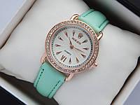 Жіночі наручні годинники Rolex, золотистого кольору, білий циферблат, на шкіряному ремінці, зі стразами на корпусі, фото 1
