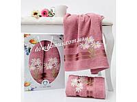"""Подарочный набор полотенец """"Ромашка"""" (банное+лицевое) TWO DOLPHINS, Турция 0092"""