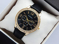 Женские наручные часы Chanel, золотистого цвета, черный циферблат, на кожаном ремешке, со стразами на корпусе, фото 1
