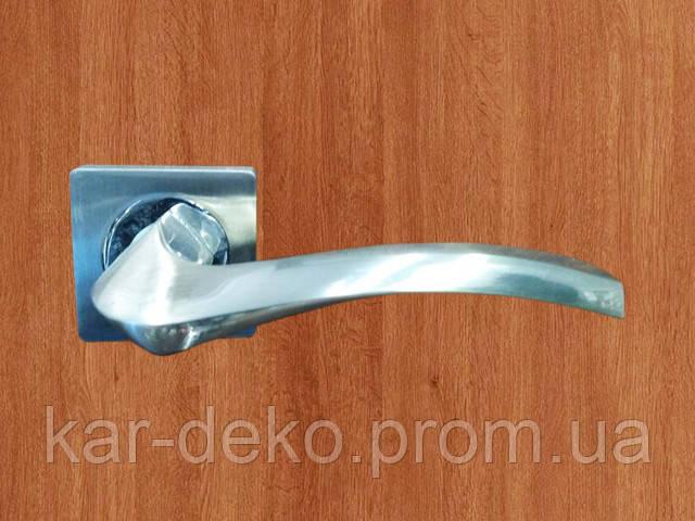 фото Ручка дверная на розетке 12 kar-deko.com