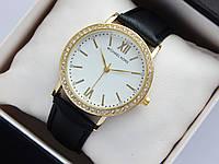 Жіночі наручні годинники Michael Kors, золотистого кольору, білий циферблат, на шкіряному ремінці, зі стразами, фото 1