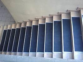 коврик резиновый на ступенях