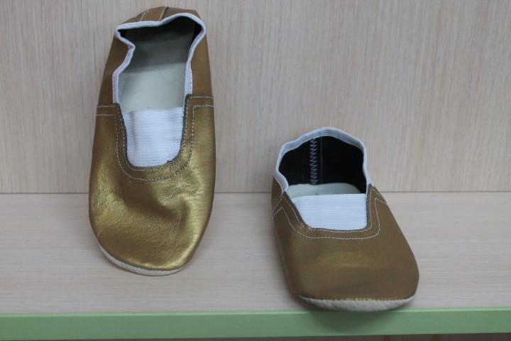 Золотые кожаные чешки стелькой для девочки и мальчика р.14,5-15,5