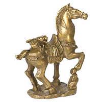 Лошадь с цикадой