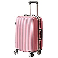 Женский пластиковый чемодан,средний.