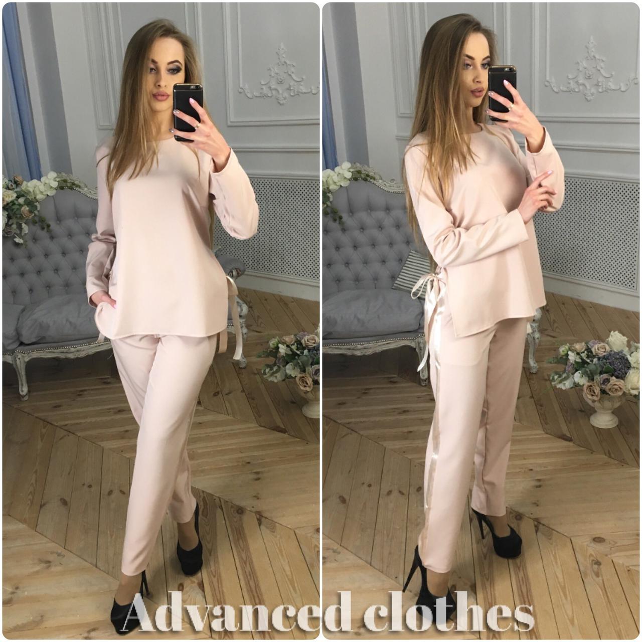 Костюм брюки и блузка с длинным рукавом и лентами