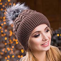 Женская вязаная шапка с помпоном зимняя