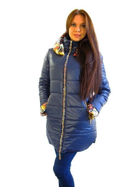 Тёплая женская куртка с капюшоном на зиму