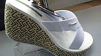 Шлепки женские белые Ipanema на платформе
