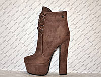Ботильоны на толстом высоком каблуке замшевые коричневые на шнуровочке Код 1349
