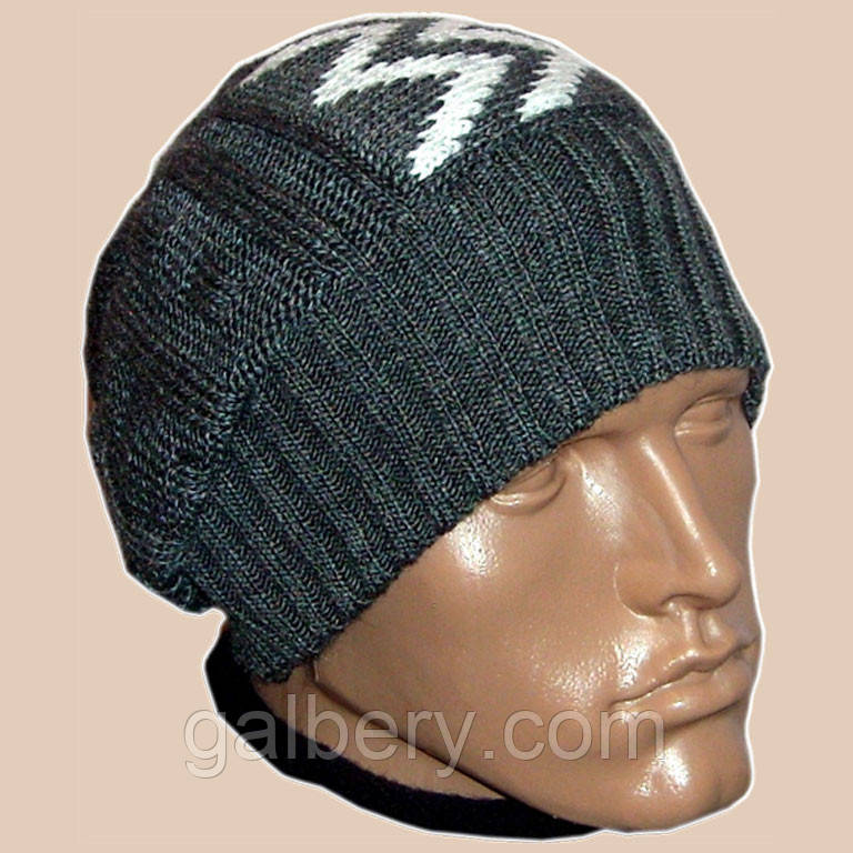 Мужская вязаная зимняя шапка - носок цвета маренго с аппликацией