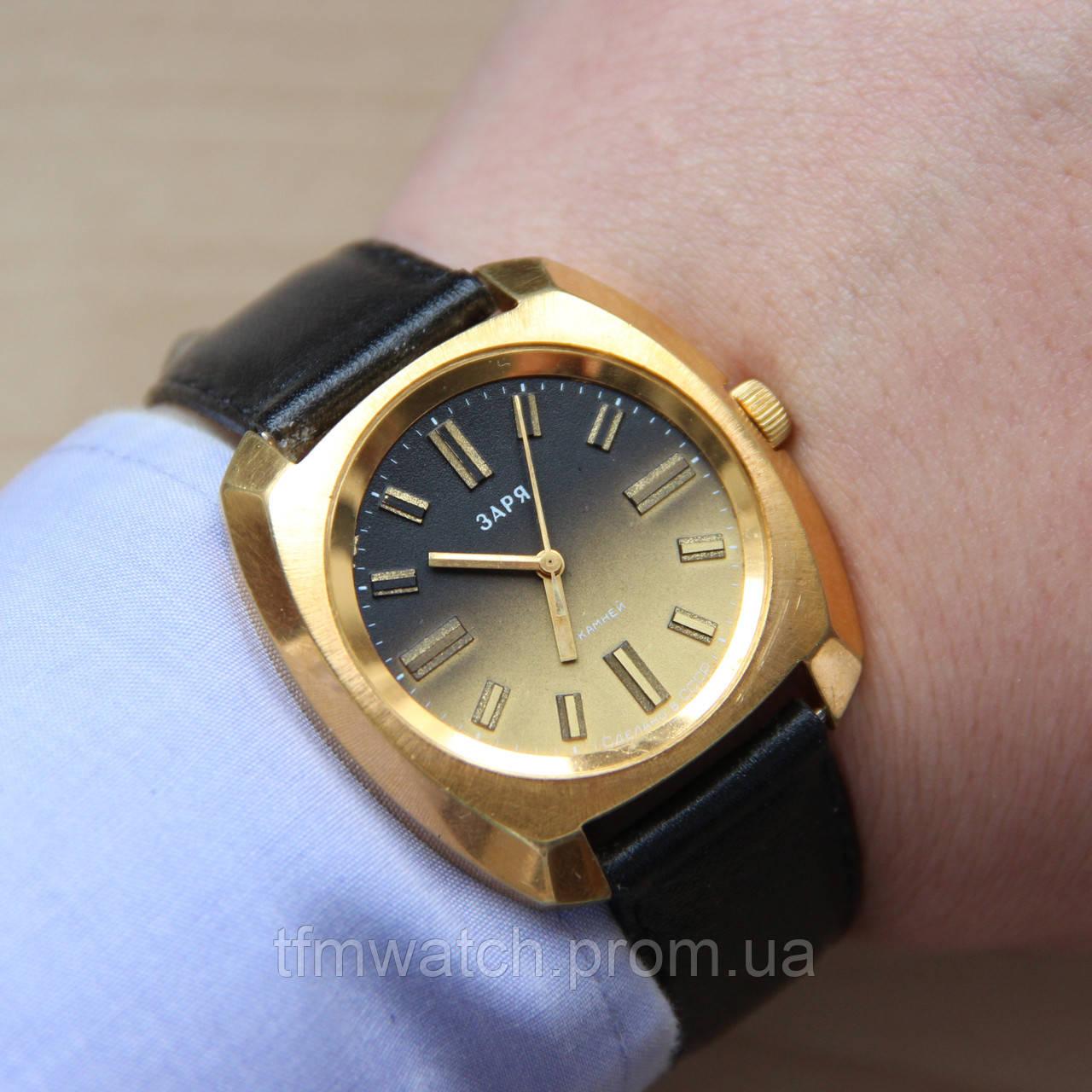 a5883120 Заря крупные наручные механические часы СССР - Магазин старинных, винтажных  и антикварных часов TFMwatch в