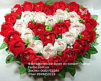 """Большое конфетное сердце из 35 роз""""Биение сердца"""""""