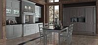 Классическая белая кухня с золотой патиной из натурального дерева FIRENZE фабрики Torchetti (Италия)