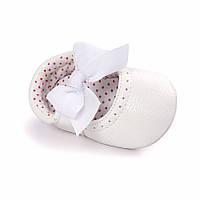 Детские нарядные белые кожаные пинетки туфельки для крестин девочки, на годик, фото 1