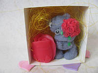 Набор сувенирного мыла ручной работы «мишка тедди с розами» в коробочке