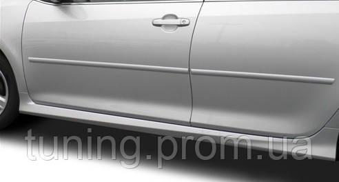 Молдинги на двери защитные Toyota Camry V50 2012-on